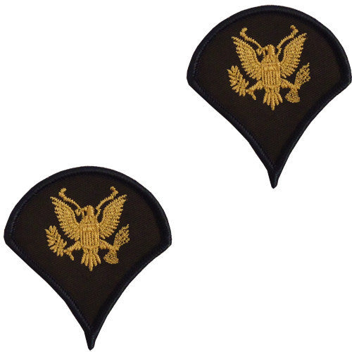 Army Chevron: Specialist 4 - gold embroidered on green, female (NON-RETURNABLE/NON-REFUNDABLE)