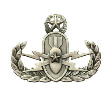 Badge: Master Explosive Ordnance Disposal - regulation, oxidized