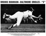 Orioles BROOKS ROBINSON Diving  0216