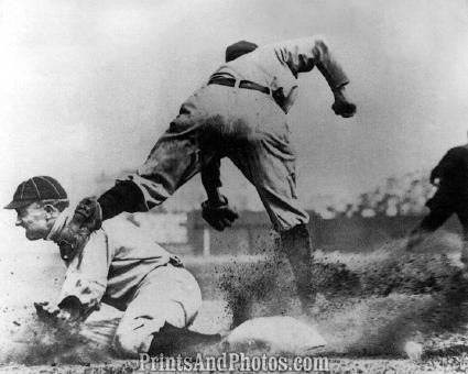 Detroit Tigers TY COBB Action  0362