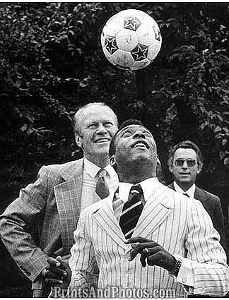 SOCCER Pele and President Ford  1035