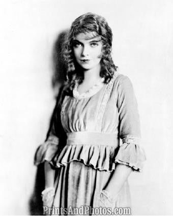 Hollywood Actress LILLIAN GISH  1304