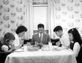 50s Family Dinner Prayer  1659