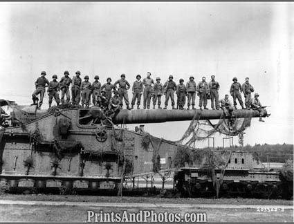 WWII  Troops on Tank Gun 2046