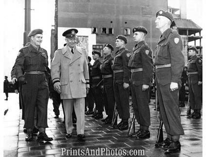 EISENHOWER Inspects Troops WWII  2209