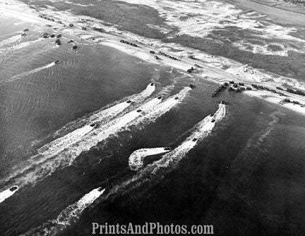 KOREA Aerial of Troops Landing at INCHON 2301