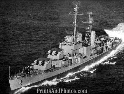 Navy  Destoyer USS Chevalier 2678