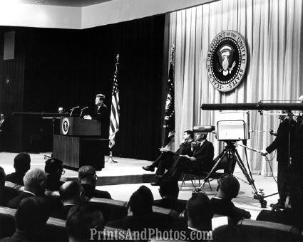 John F Kennedy at Podium  2784