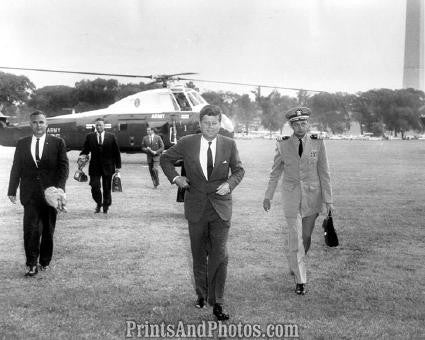 John F Kennedy  Leaving Helicopter 2792
