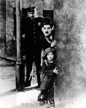 CHARLIE CHAPLIN Movie  The Kid 2934