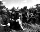 Vietnam Soldiers Carry Wounded  3201
