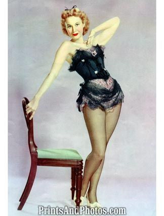 Pin Up Virginia Mayo Sexy  3670