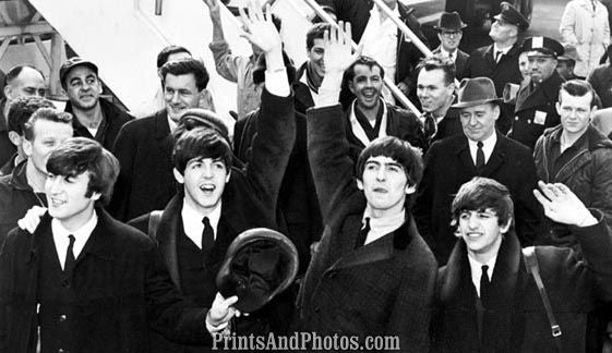 Beatles Arrive JFK  Lennon 3708