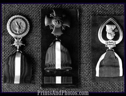 Military Medals Purple Heart etc  4358