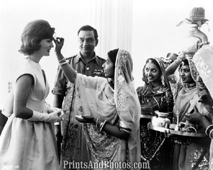 Jacqueline Kennedy in India  4627