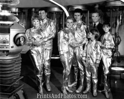 Lost in Space Cast  5575