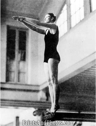 Babe Didrikson Diving  6347