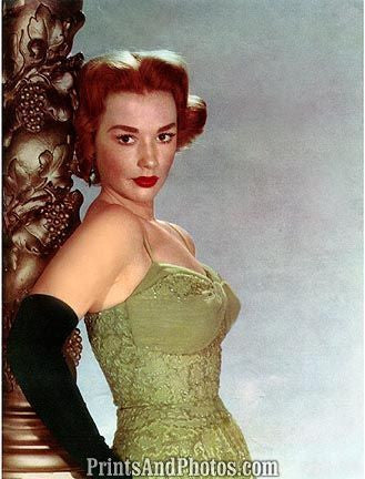 Actress Piper Laurie  6809