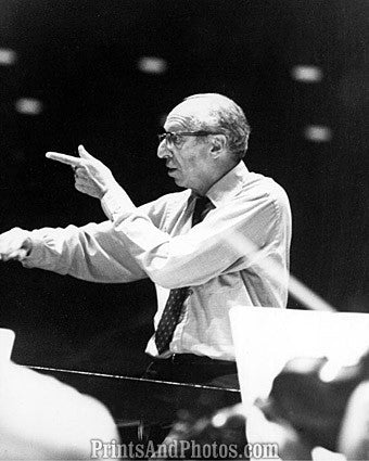 Aaron Copland Conducts  7025