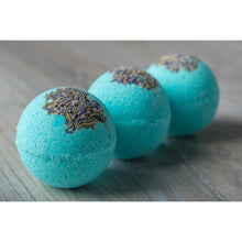 Load image into Gallery viewer, Lavender & Eucalyptus bath bombs
