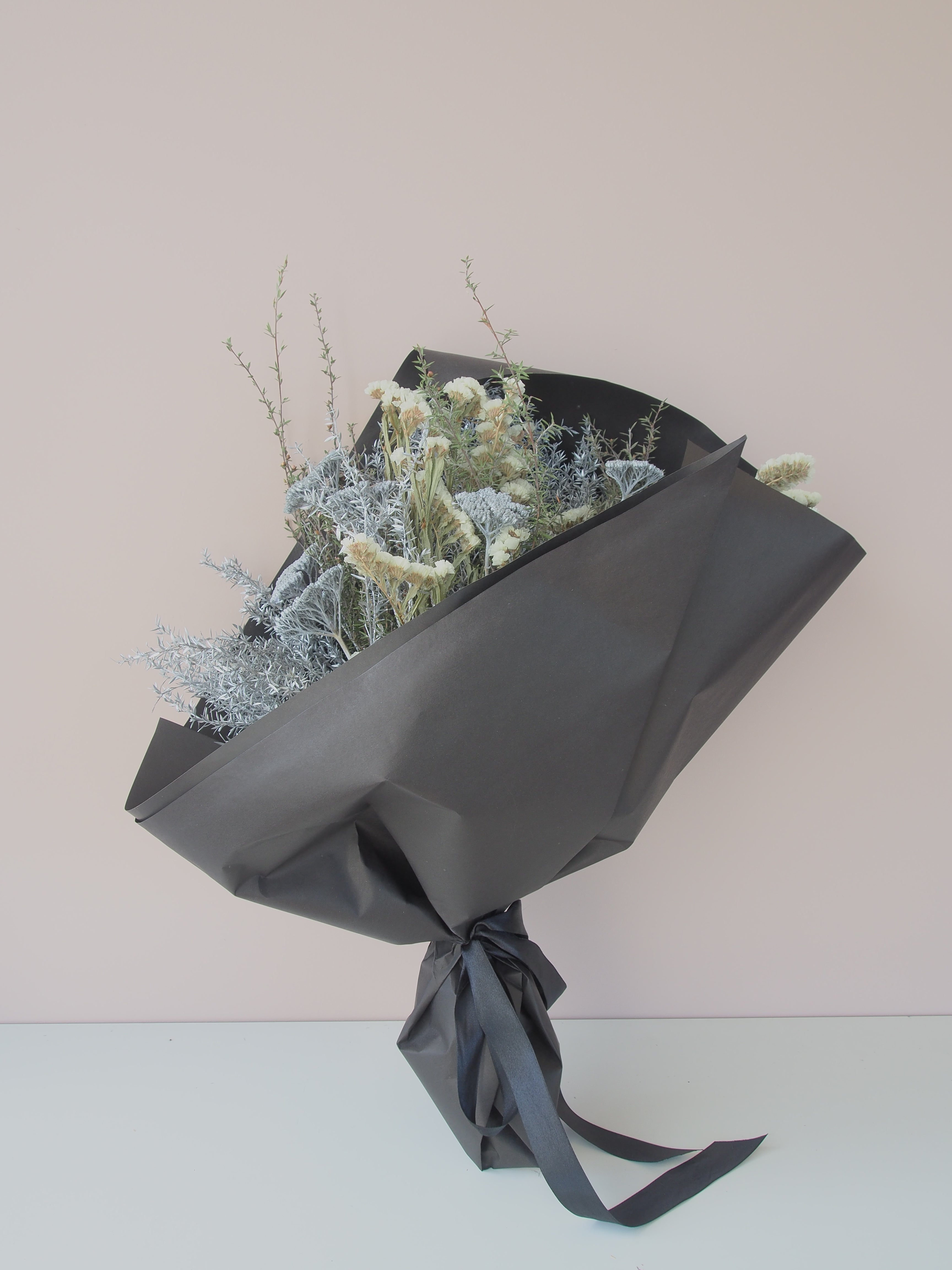 Ready-made Eternal Dried Bouquets - market special!