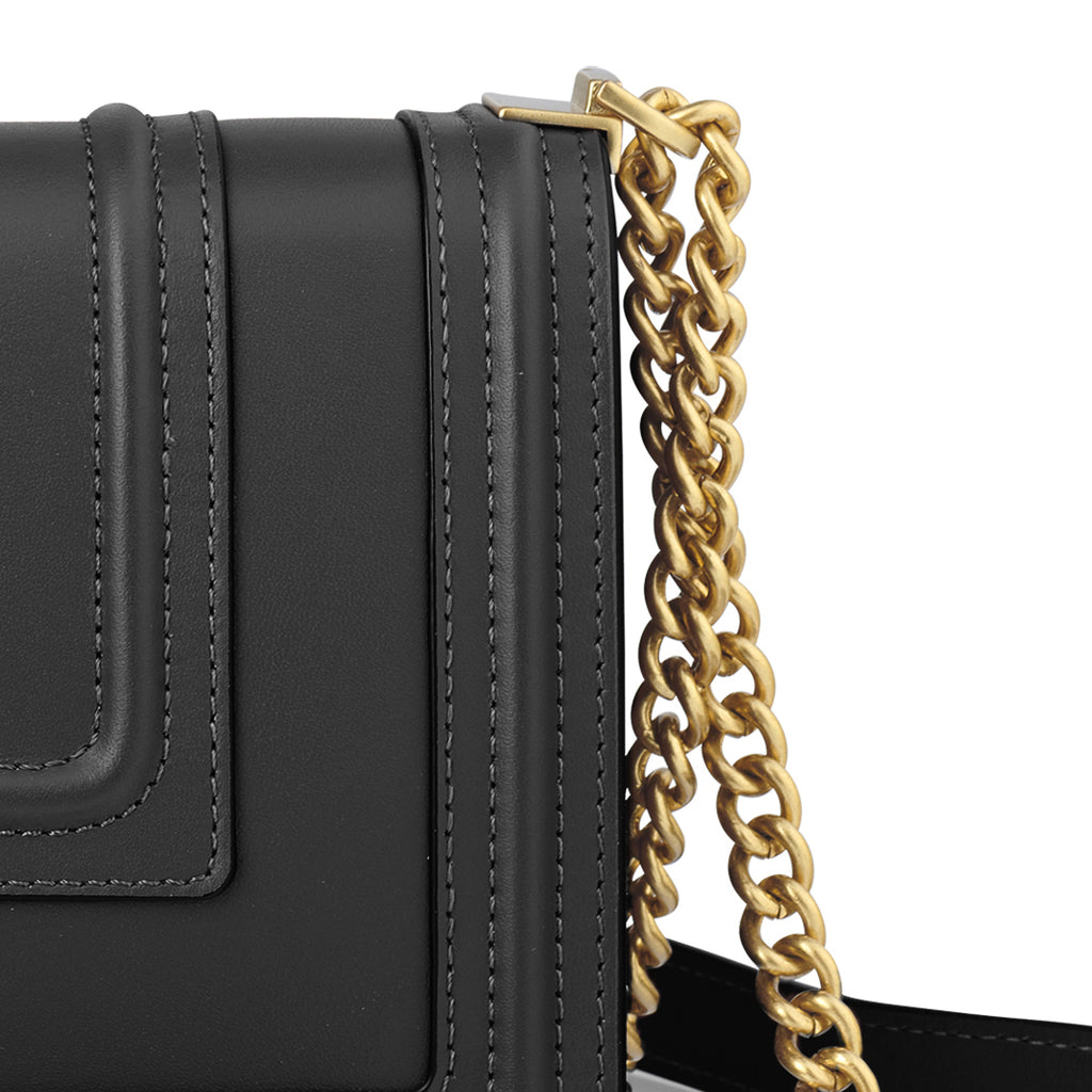 Handbag with Chain Details