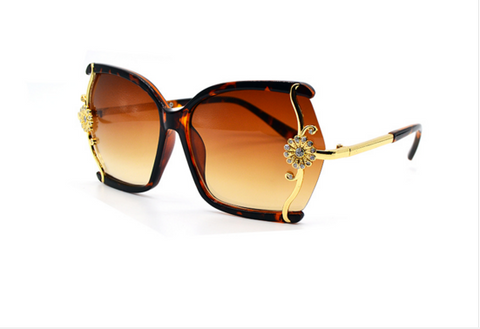butterfly large frame sunglasses