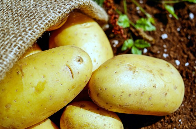 Potatoes | List of Foods to Buy Organic | The Organic Groceries You Actually Need | Organic Foods List