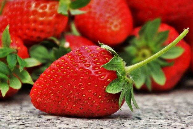 Strawberries | List of Foods to Buy Organic | The Organic Groceries You Actually Need | Organic Foods List