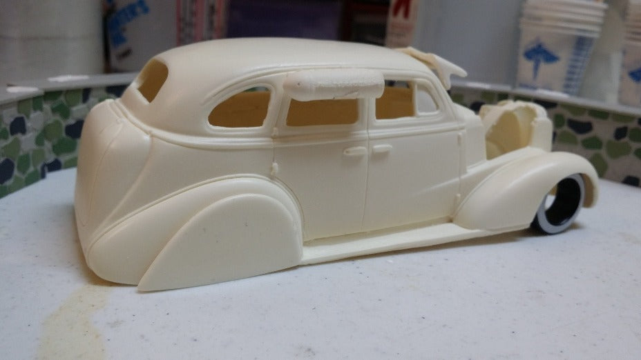 Resin cast 1937 Chevy 4 Door with accessories
