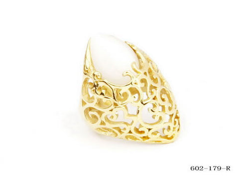 Women's Cocktail Ring in 18 KT Gold Plated with Mother of Pearls