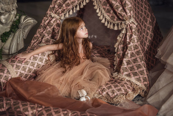 DockATot Tent of Dreams in Busy Bees print from the Regal Romance Collection