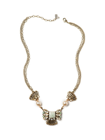 Pearly Elegance Necklace #G18N