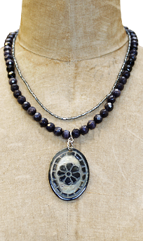 Mother of Pearl and Onyx Necklace #103052