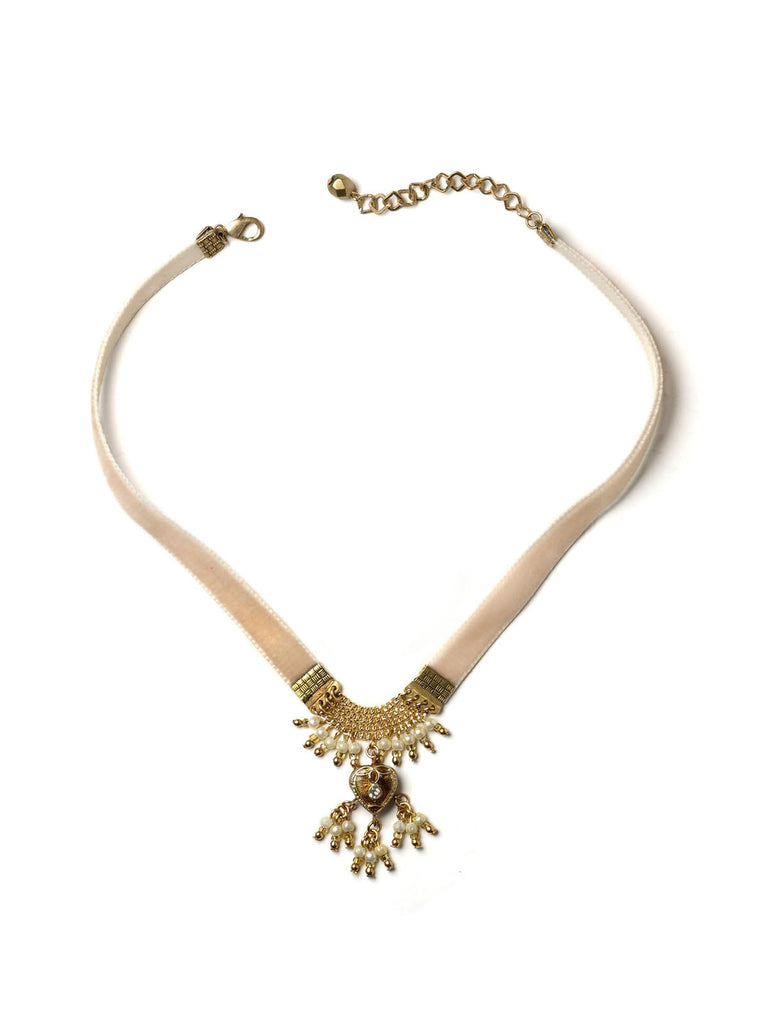 Heart Of Mine Choker Necklace in Pale Pink #N13N