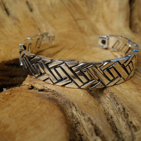 Handcrafted sterling .925 silver bracelet from Taxco, Mexico.