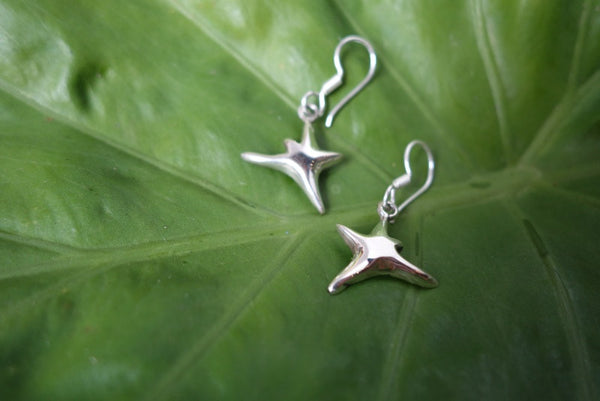 Handcrafted solid sterling .925 silver starfish earrings from Taxco, Mexico