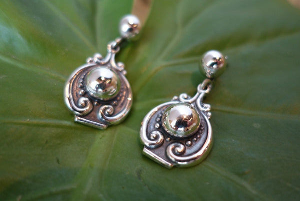 Handcrafted solid sterling .950 silver earrings from Taxco, Mexico