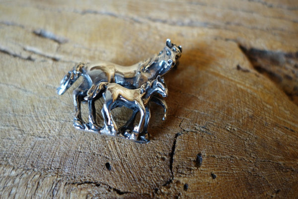 Handcrafted solid sterling .925 silver horse pendant pin from Taxco, Mexico