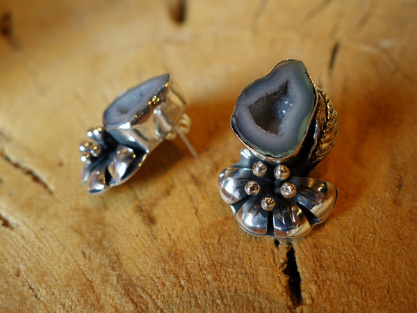 No Mas! Geode and Flower 925 Solid Silver Earrings Can Pair with NOV-P003