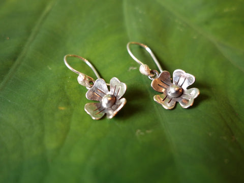 No Mas! 1.2cm HANG Silver Flower