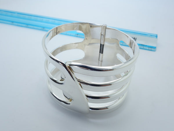No Mas! 6.5cm CUFF with Modern and Hinge