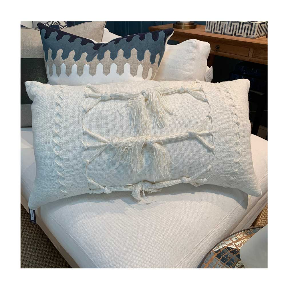 Como Knotted Lumbar Pillow