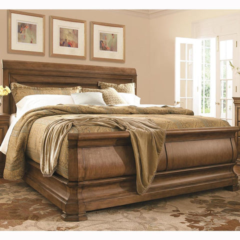 New Lou Louie P's Sleigh Bed (Queen) by Universal