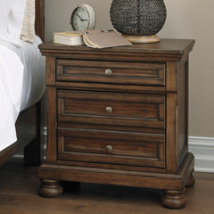 Flynnter 2-Drawer Night Stand by Signature Design by Ashley