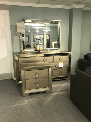 3 Piece Dresser/Mirror/Nightstand Group