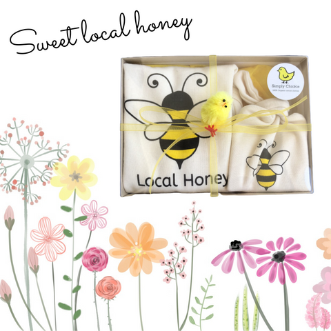 Organic cotton baby gift set - honeybee