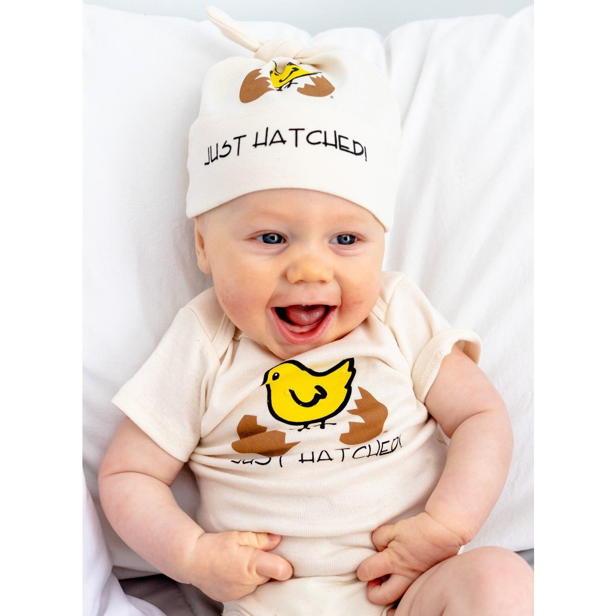 Organic cotton baby gift set - Hatched - Simply Chickie