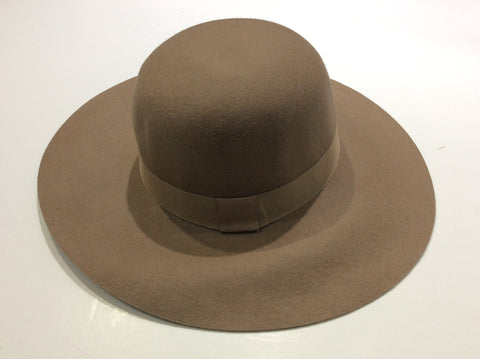 Broad brimmed hat