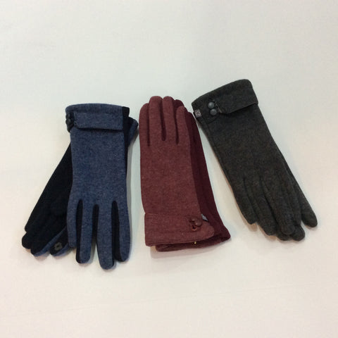Knit gloves with 2 leather button trim